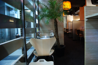 REAL DINING CAFE Lille�@�O�{�X